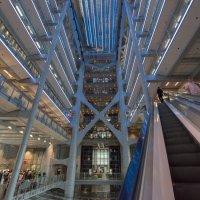 Здание HSBC банка в Гонконге. Проект Нормана Фостера :: Sofia Rakitskaia