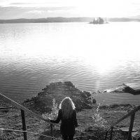Иду к Озеру... :: Дмитрий Петренко
