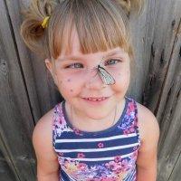 Ух ты ! Бабочка на нос села ! :: Арина Саенко