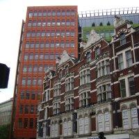 Лондонские архитектурные контрасты :: Марина Домосилецкая