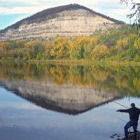 Осенняя рыбалка :: Paul B.