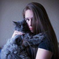 Девушка и Мейн-Кун. :: Марина Леонидовна