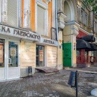 Раннее утро на Екатерининской. :: Вахтанг Хантадзе