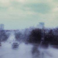 Дождь прогремел по крышам :: Георгий Морозов