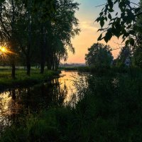 Закат на речке :: vladimir Bormotov
