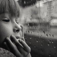 Когда идёт дождь, кажется, что вот-вот что-то вспомнится... :: Лилия .