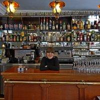 В баре на Монмартре... :: Михаил Сбойчаков