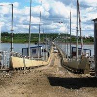 Понтонный мост через реку Томь. :: Наталья Петровна Власова