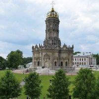 Церковь Знамения Пресвятой Богородицы в Дубровицах под Подольском. :: Татьяна Помогалова