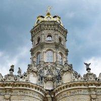 Венчает храм не шатёр, не шлем и не маковка, а корона. :: Татьяна Помогалова