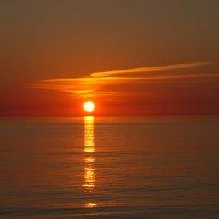 уходящее солнце :: Валентина Папилова