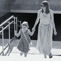 Мама с дочей :: Андрей Майоров