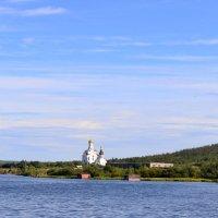 Храм на берегу :: Ольга