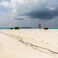 На самом краю Атолла Ари.Мальдивы. :: Татьяна Калинкина