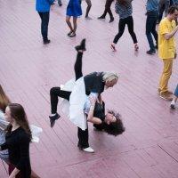 Танцы на набережной :: Руслан Гончар