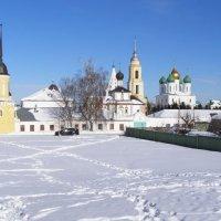 Свято-Троицкий Ново-Голутвин монастырь :: Анна Воробьева