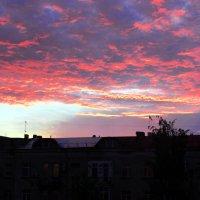 На кончике сгорающего дня :: раиса Орловская