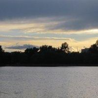 Летний закат над Головинскими прудами :: Дмитрий Никитин