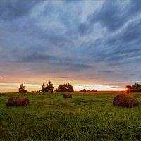 Рассвет в деревне... :: Александр Никитинский