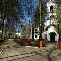 церковь и дом художника :: Валентина. .
