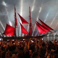 Алые паруса :: Олег Денисов