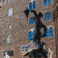 Флоренция. Персей (скульптура Бенвенуто Челлини). :: Надежда Лаптева