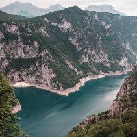Пивское озеро, Черногория :: Владимир Новиков
