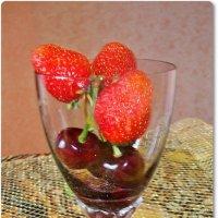 .Натюрморт ягодный :: Лидия (naum.lidiya)