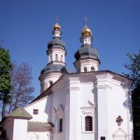 Ильинская церковь и вход в Антониевы пещеры. :: Андрий Майковский