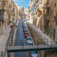 Ну очень древние почти ветхие улицы Мальты :: Konstantin Rohn