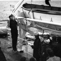 """1970-й.Атлантический океан Борт БМРТ -319 """"Рудольф Блауманис"""" :: Иволий Щёголев"""