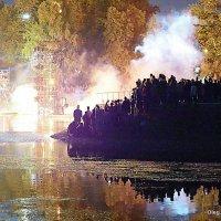 такое шоу,на воде,да ночью :: Олег Лукьянов