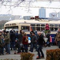 старый троллейбус и интерес :: Олег Лукьянов