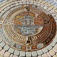 Памятный знак с тематикой старого городского парка :: Надежда