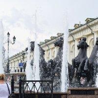 Фонтан «Четыре времени года», расположенный на Манежной площади :: Татьяна Помогалова