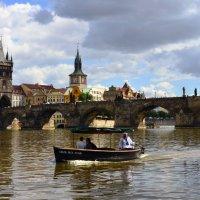 Прогулка по реке Влтава. Чехия. :: Николай Ярёменко