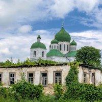 Город контрастов :: Сергей Тарабара
