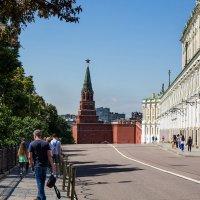 За кремлевской стеной. :: Владимир Безбородов