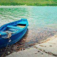 Летний день на озере Абрау. :: Анатолий Щербак