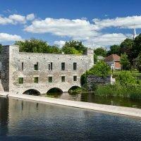 Канал и старая мельница-лесопилка в г.Линдси (180 км от Торонто, Канада) :: Юрий Поляков
