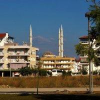Главная мечеть города Мановгат... :: Sergey Gordoff