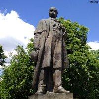 Памятник Тарасу Шевченко в Луганске :: Наталья (ShadeNataly) Мельник