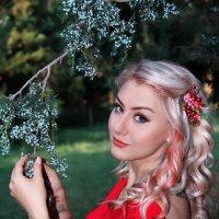 Девушка и дерево :: Вадим Аспин