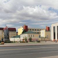 На улицах Уральска :: MILAV V