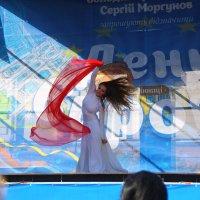 танец :: Евгений Гузов