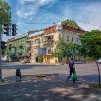 Воскресное утро на перекрестке Екатерининской и Троицкой. :: Вахтанг Хантадзе