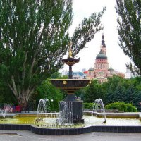 Фонтан на фоне Благовещенского собора. Харьков. :: Любовь К.