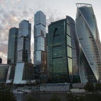 Вечерело....Москва-Сити :: Слава