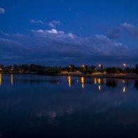 вид на ночное озеро :: Дмитрий Потапкин