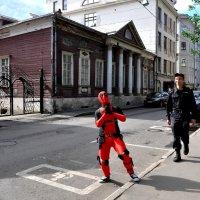 Сытинский переулок . В день Города всё возможно...:) :: Анатолий Колосов